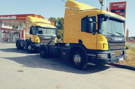 2 Camions Scania P360 ventouse  2 Camions Scania